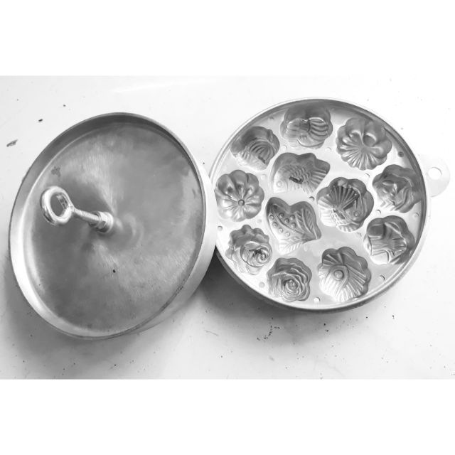 Khuôn Bánh Thuẩn Bánh Bông Lan 12 Bánh (Loại Dày Cao Cấp)