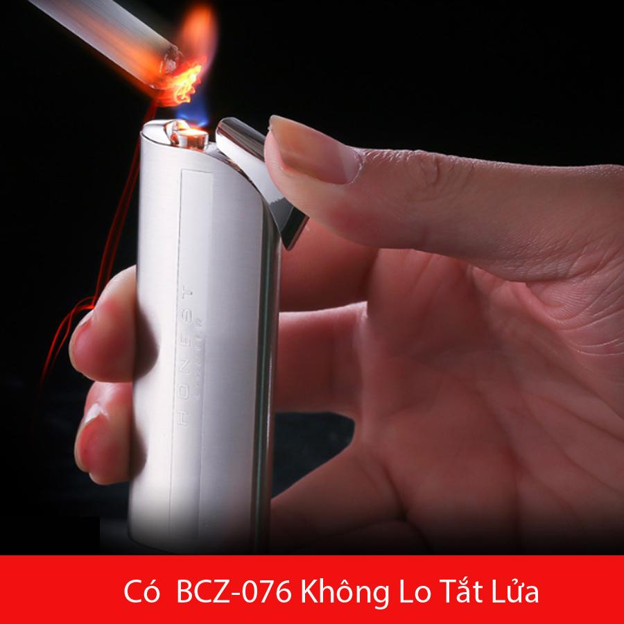 Combo Hộp Quẹt Bật Lửa Khò Gas BCZ-076 Không Lo Tắt Lửa + Tặng Bình Gas Chuyên Dụng Cho Bật Lửa (Màu Ngẫu Nhiên)