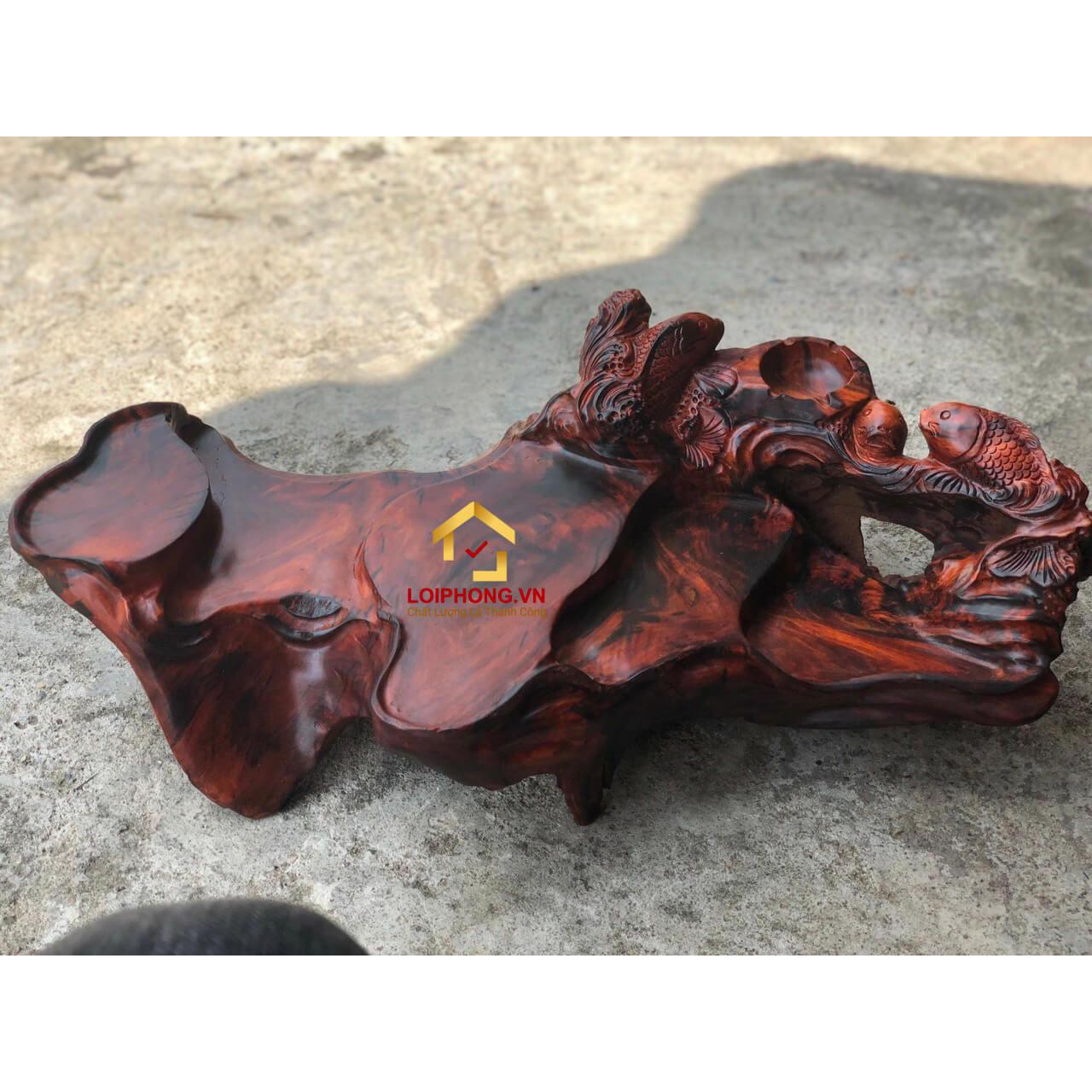 Khay trà gỗ trắc nguyên khối chạm khắc 3 con cá chép kích thước dài 64 x rộng 34 x cao 18 cm