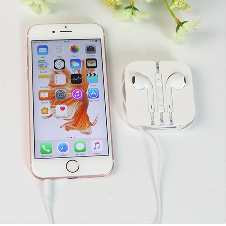 Tai nghe điện thoại logo jack 3.5 cổng tròn màu trắng