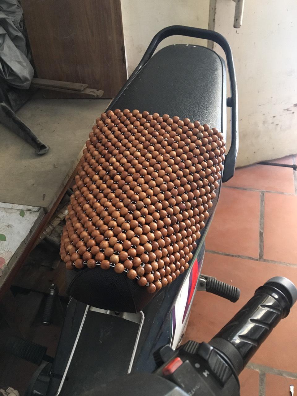 Đệm lót yên xe máy hạt gỗ - Phụ kiện , phụ tùng chăm sóc  xe máy