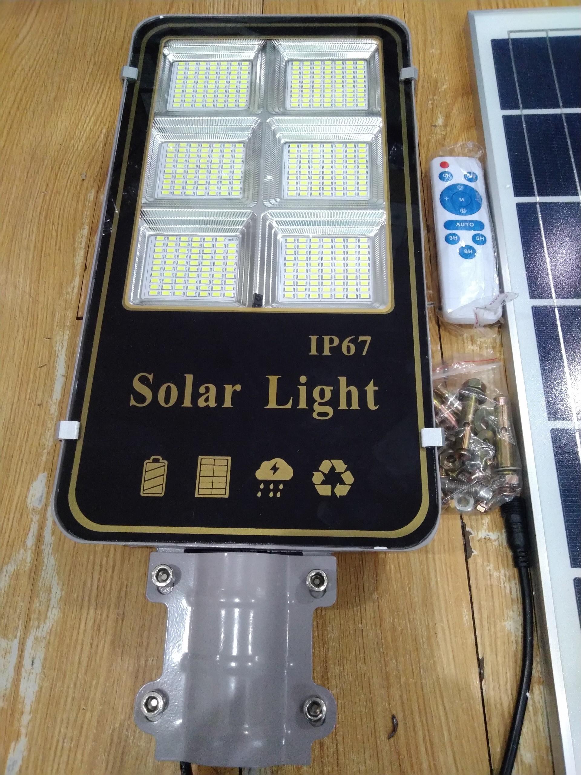 Đèn đường năng lượng mặt trời 300w - công nghệ mới