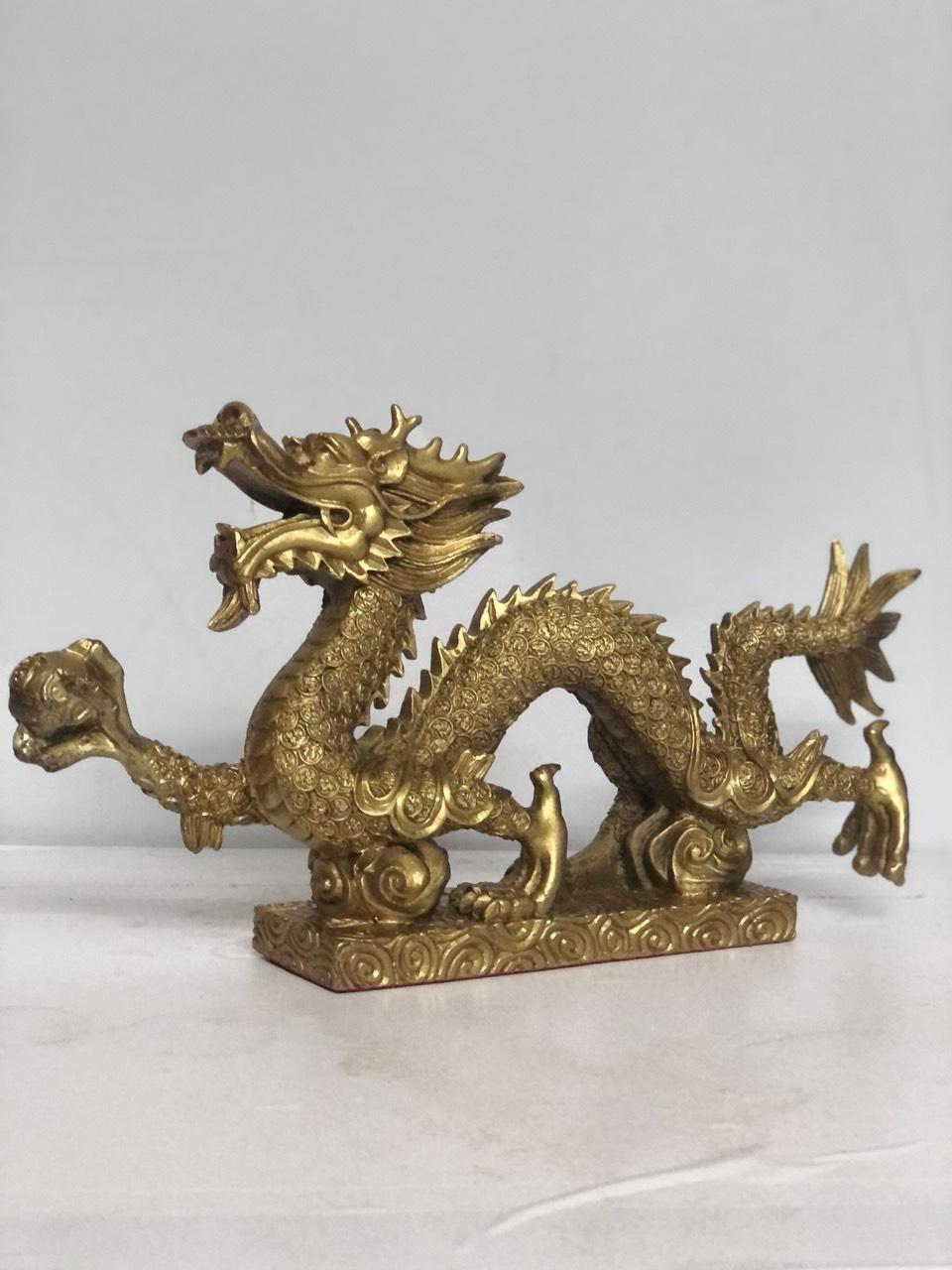 Tượng rồng nhả ngọc bằng đồng đúc nguyên chất