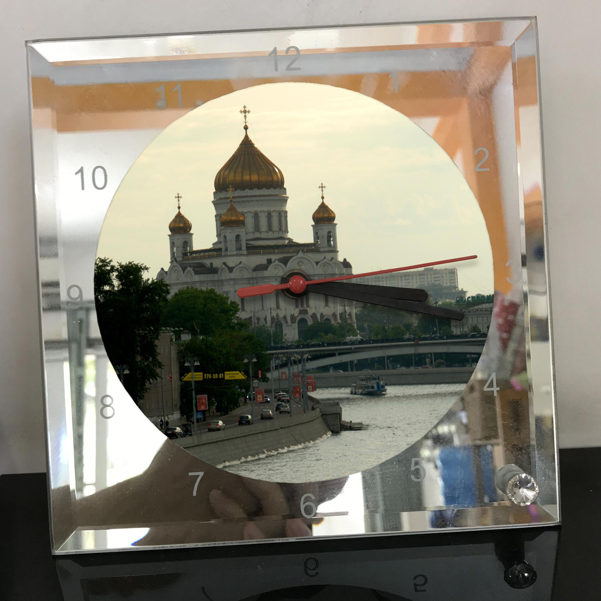 Đồng hồ thủy tinh vuông 20x20 in hình Cathedral Of Christ the saviour (13) . Đồng hồ thủy tinh để bàn trang trí đẹp chủ đề tôn giáo