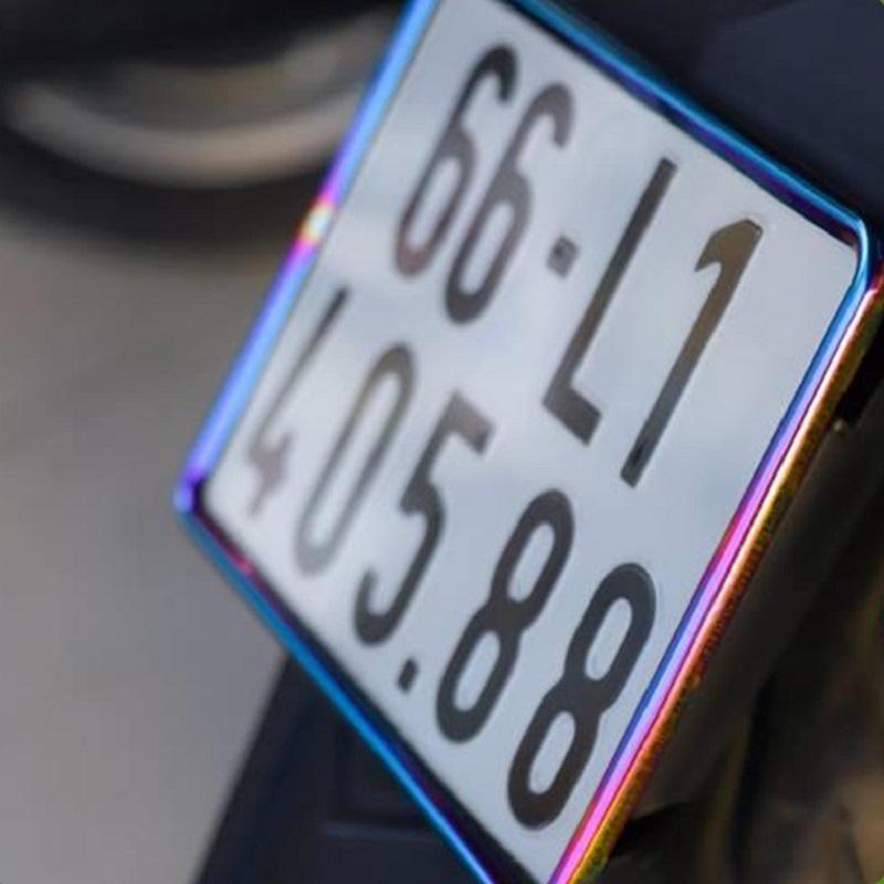 Khung biển số xe titan dành cho xe máy