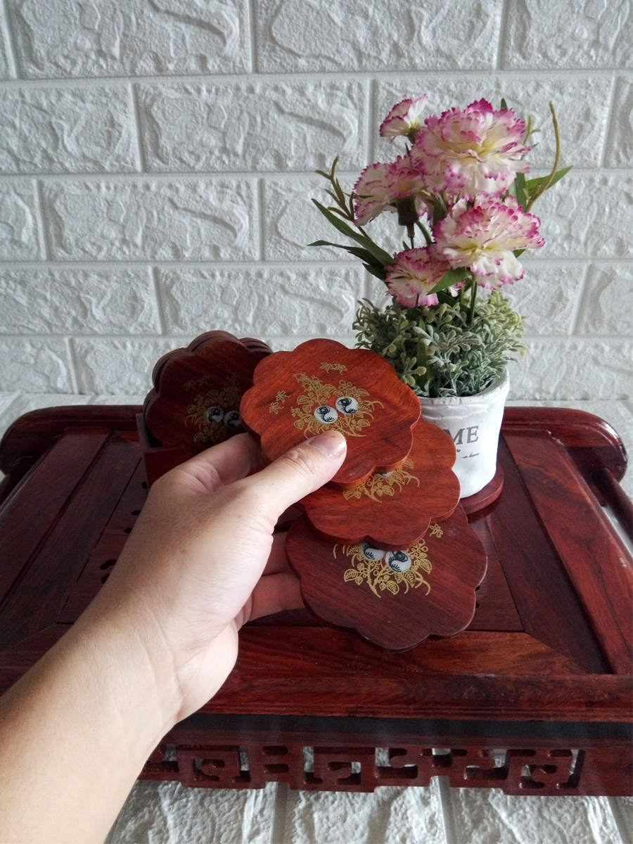 Bộ 6 miếng đế lót ly hình hoa mai gỗ hương khảm hoa - LLMK06