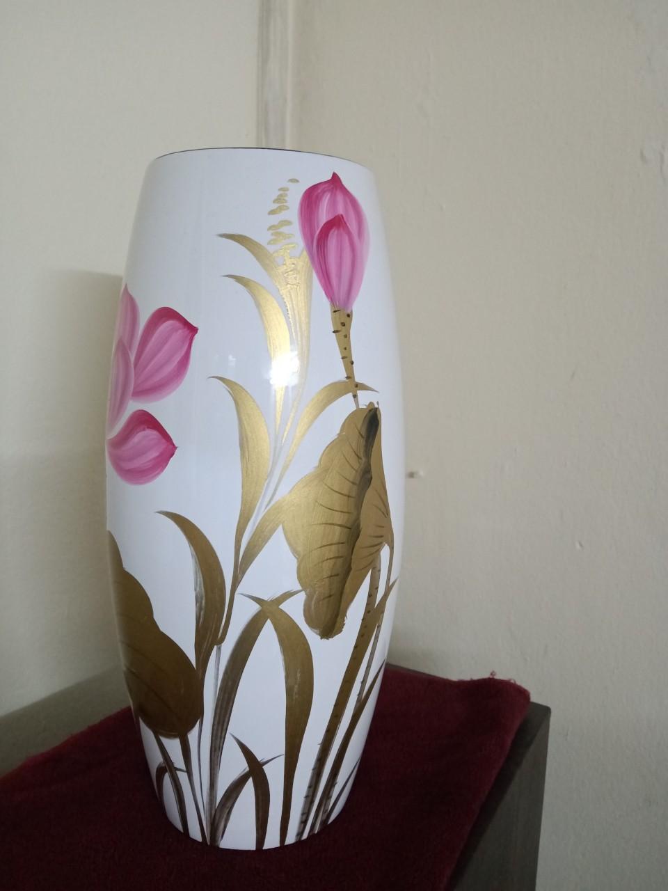 Lọ hoa vẽ sen gốm sứ Bát Tràng