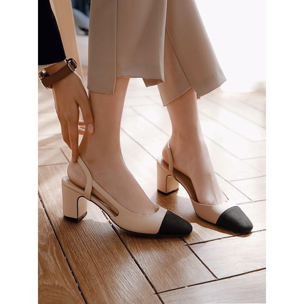 Giày cao gót phối màu đế vuông