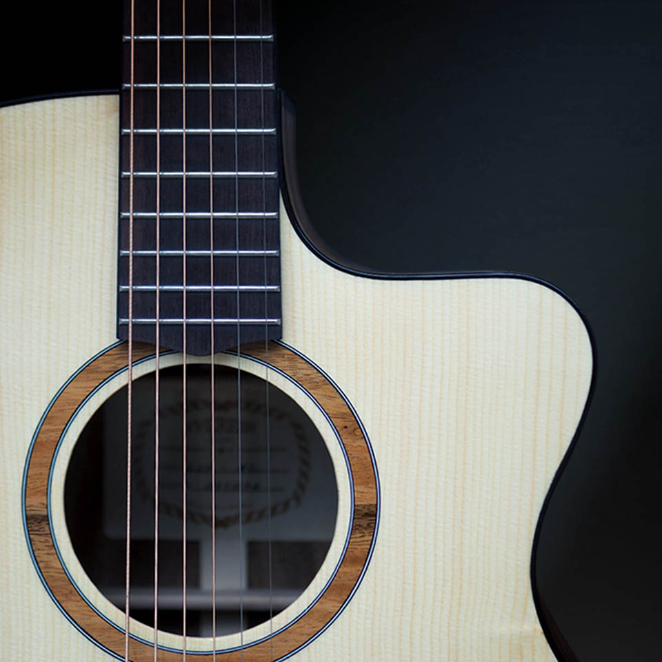 Đàn Guitar Acoustic Handmade E60AC (Full Solid)