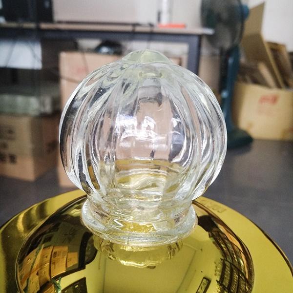 Bình thủy tinh ngâm sâm dung tích 4 lít (Loại có vòi), hàng cao cấp. Chiều cao 44cm, ngang 17.5cm, đường kính miệng 10cm
