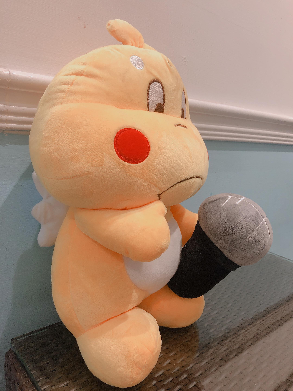 Gấu bông Qoobee cánh thiên thần cầm mic