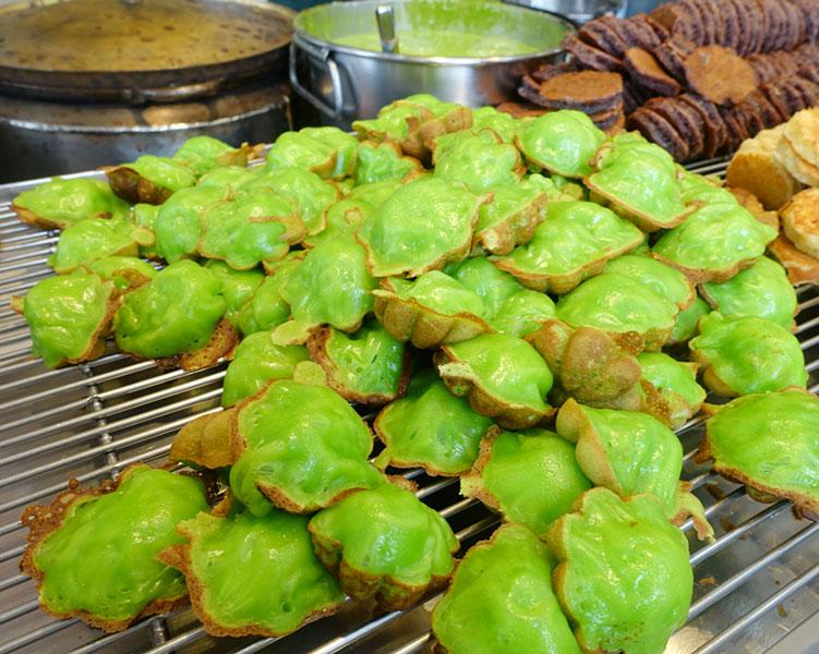 (Lựa Khuôn Lớn, Nhỏ)Khuôn Bánh Bông Lan Nướng Chống Dính 12 Bánh
