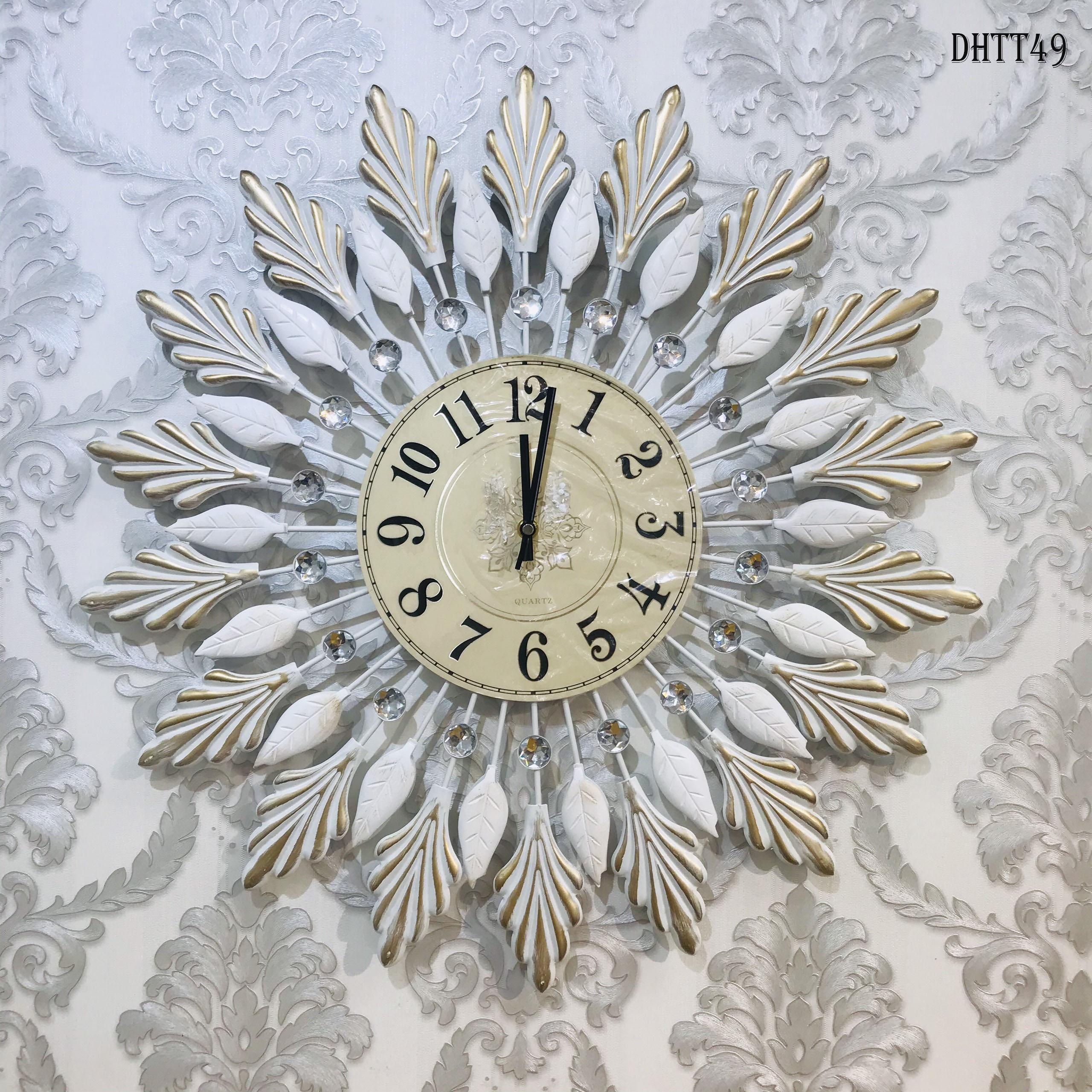 Đồng hồ hợp kim treo tường trang trí nghệ thuật DHTT49 màu trắng. Đồng hồ treo tường  mẫu decor độc đáo làm quà tặng tân gia (59x59cm)