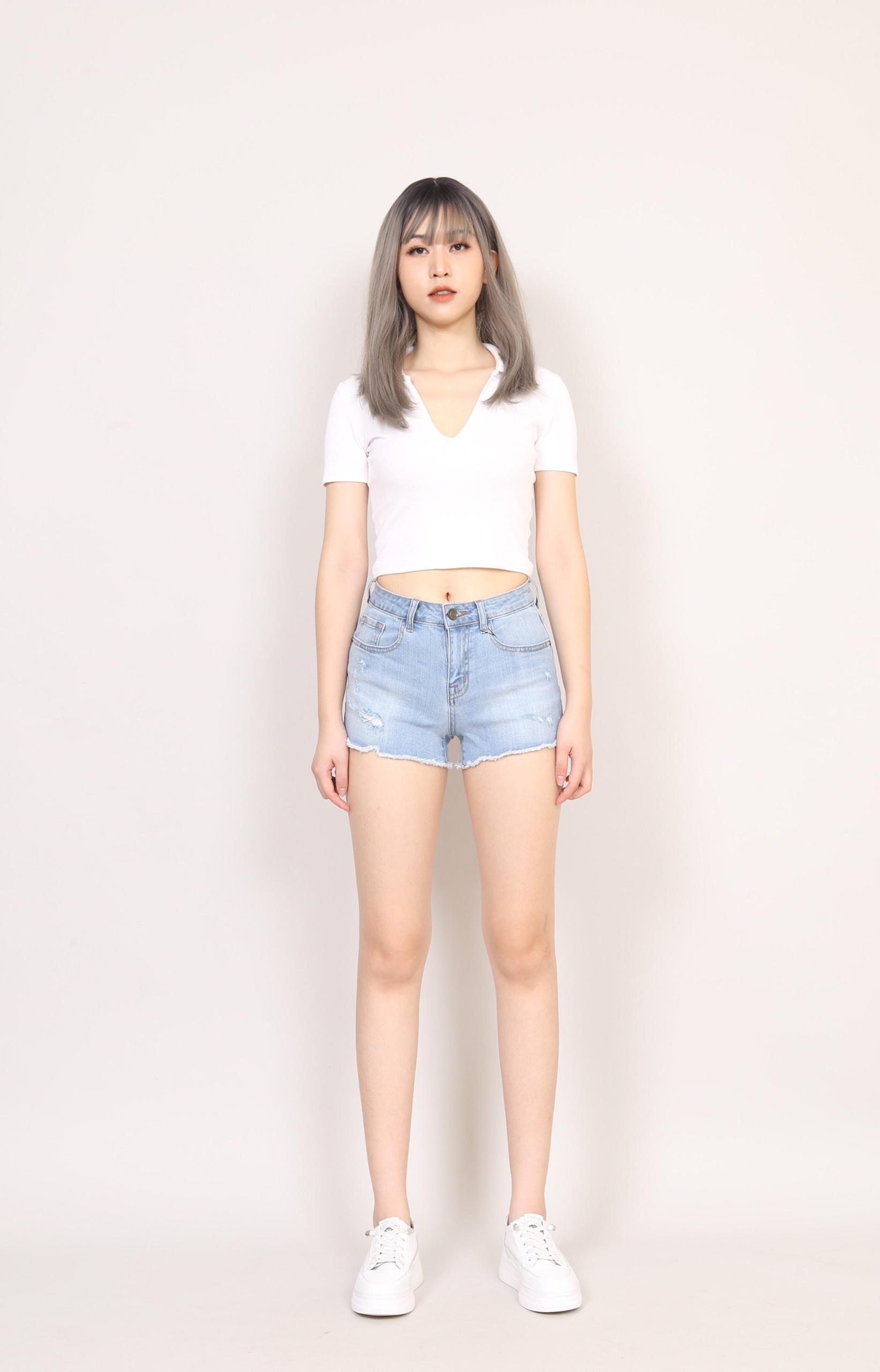 Quần Short Jean Nữ Thời Trang Rách 4 Vết Gấu Tua Rua 304T3, Quần Sooc Jean Nữ Rách Cạp Cao CT Jeans