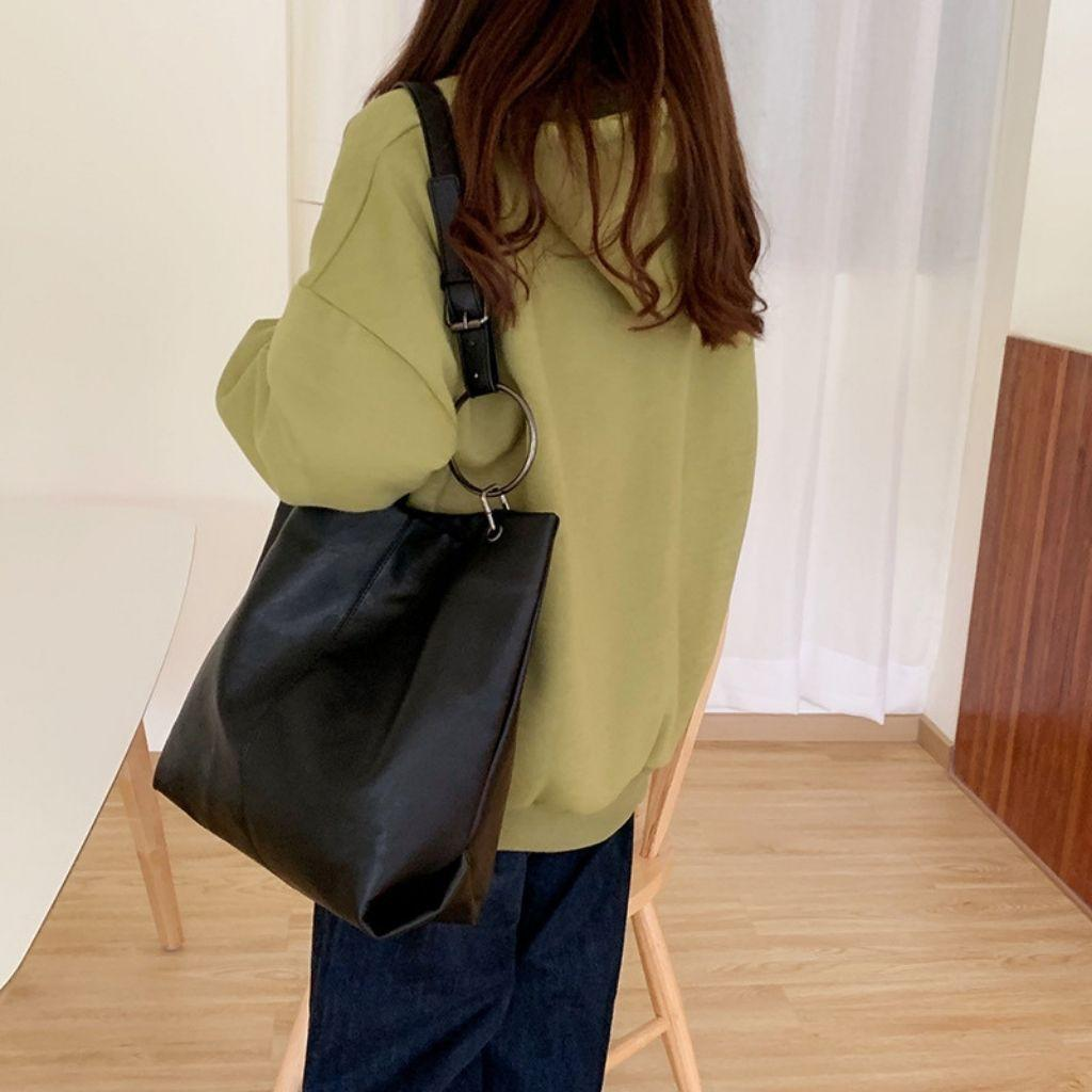 (Hàng loại 1) Túi Tote da Đen Tuyền KR384- Da PU cao cấp, Size 34 vừa A4, Đeo vai, 2 màu lựa chọn- KARA 384