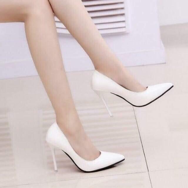 Giày cao gót gót nhọn