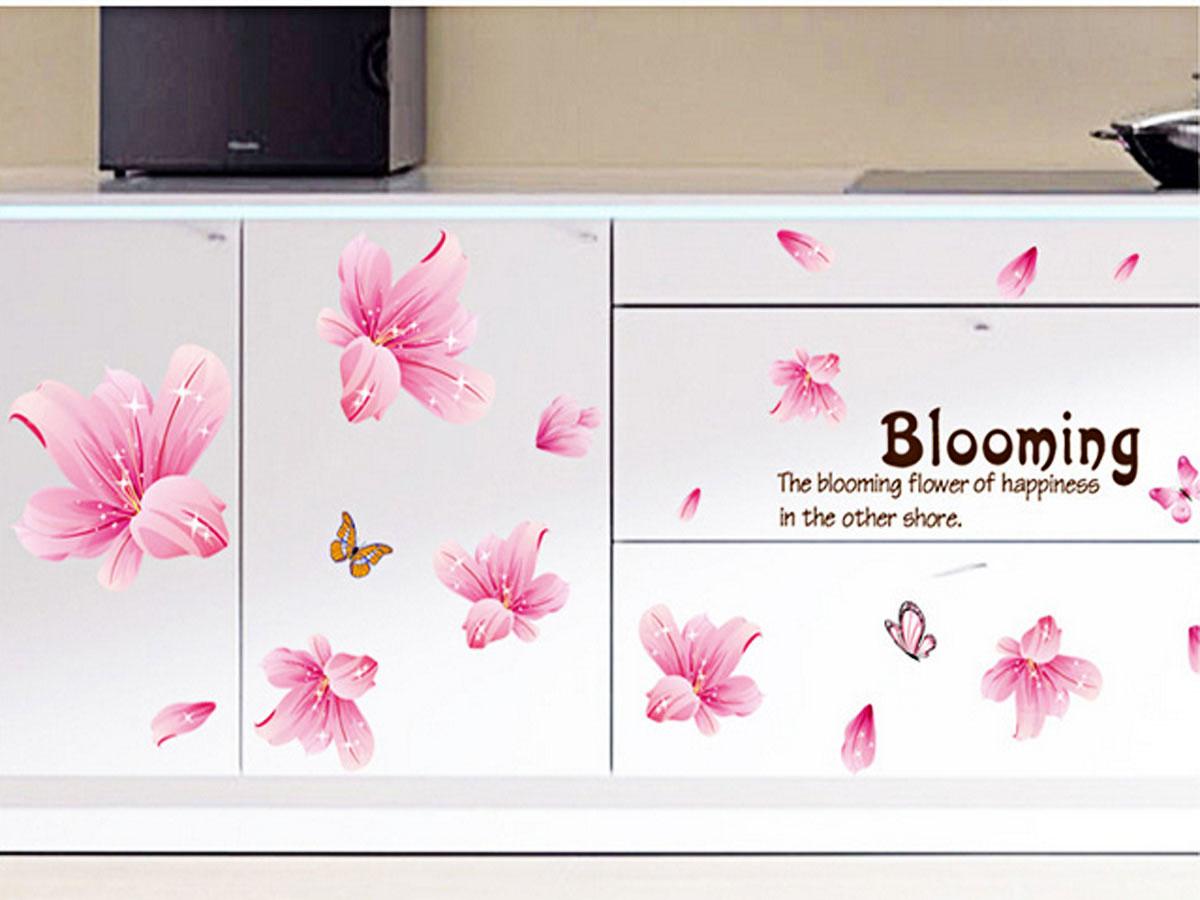 decal dán tường cánh hoa pha lê hồng ay7172