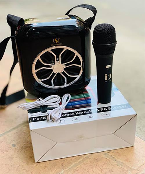 Loa karaoke bluetooth mini xách tay YS A20/A21 - Kèm 1 micro không dây - nghe nhạc, hát karaoke cực hay - Giao màu ngẫu nhiên - Bảo hành 12 tháng