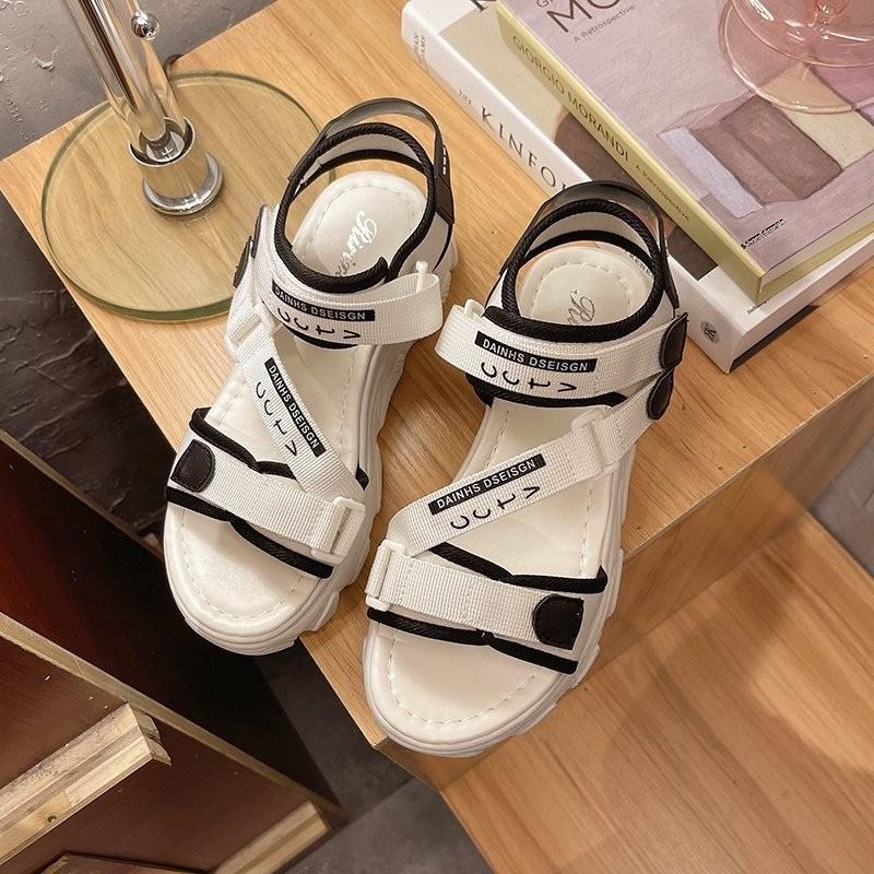 Dép sandal nữ thiết kế mới, dép đi học phù hợp với nhiều lứa tuổi, chất liệu cao cấp, đế cao su êm, sịn