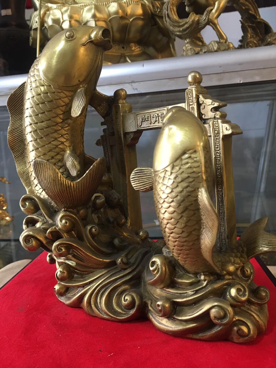 Tượng cá chép vượt vũ môn bằng đồng cỡ đại