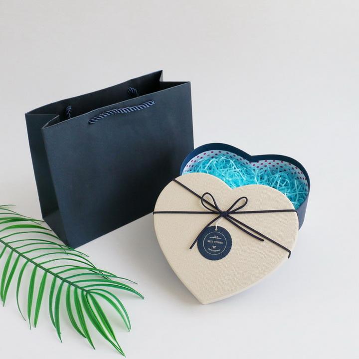 Hộp quà trái tim loại nhỏ 15x13x5.5 cm hộp xanh dương nắp trắng