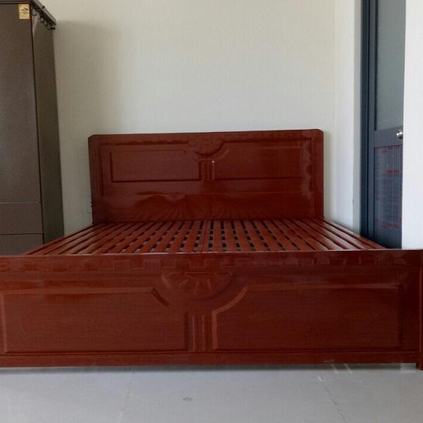Giuờng sắt hộp giả gỗ màu gỗ xoan đào tự nhiên cao  cấp 1m6 x2m