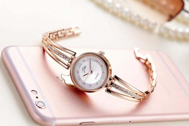 Đồng hồ nữ cao cấp DH01 ( TẶNG LẮC ĐEO TAY )