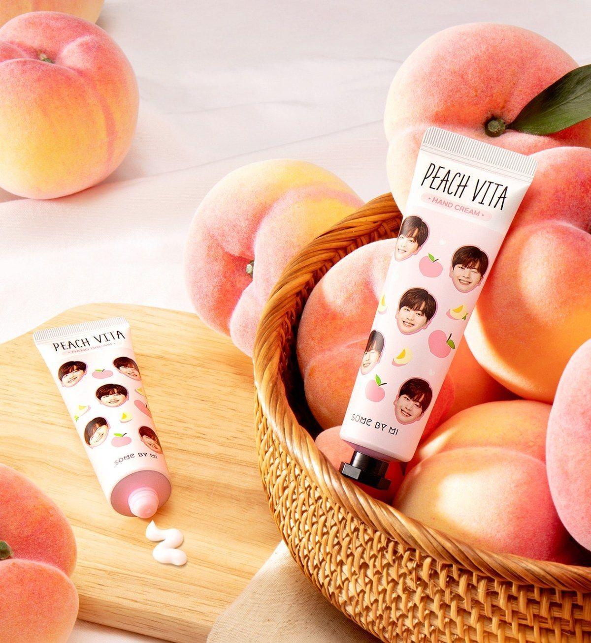 Kem Dưỡng Da Tay Chiết Xuất Đào Some By Mi Peach Vita Hand Cream 30g