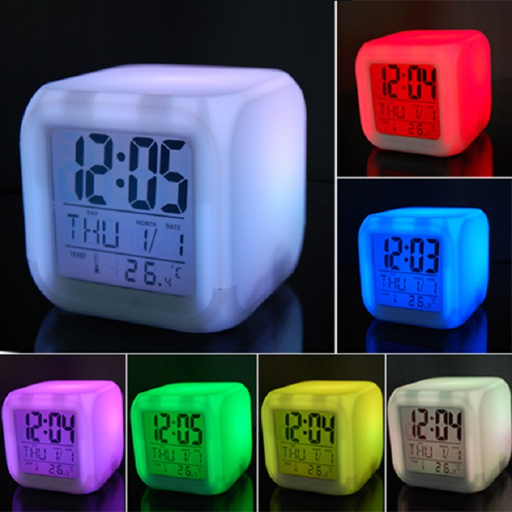 Đồng hồ để bàn hình lập phương, tự thay đổi màu sắc - Tặng kèm móc dán tường (giao màu ngẫu nhiên) 1