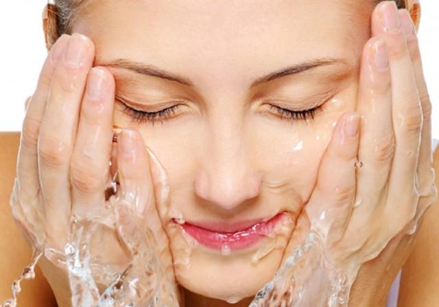 Sữa rửa mặt ngừa mụn St.Ives Chiết xuất Trái Mơ 170g