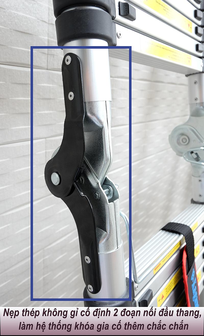 Nẹp thép không gỉ cố định 2 đoạn nối đầu thang rút đôi Kagami, làm hệ thống khóa gia cố thêm chắc chắn