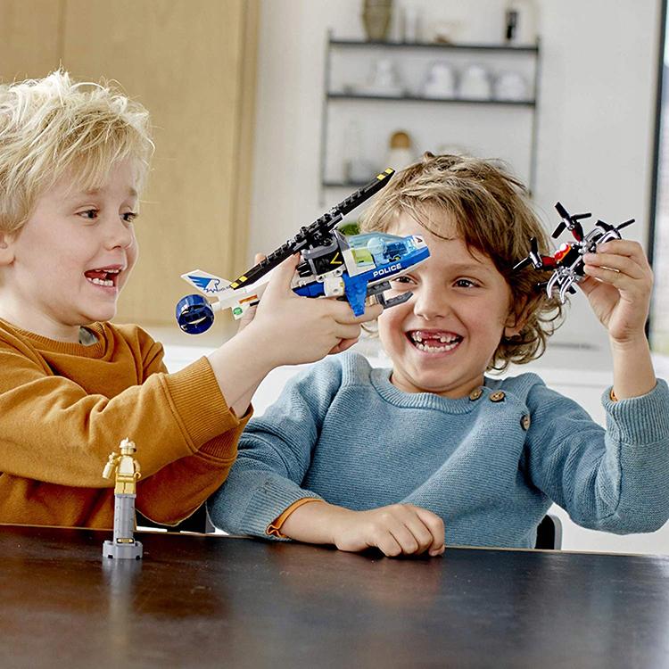 Truy Bắt Máy Bay Không Người Lái Lego 60207