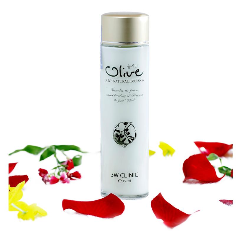 Sữa dưỡng trắng da tinh chất dầu Olive 3W CLINIC Hàn Quốc 150ml 1