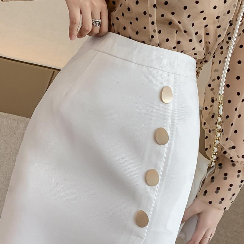 Chân váy ôm công sở Louro L900, mẫu chân váy công sở với hàng cúc dọc xẻ đùi, dáng ôm body khoe trọn đường nét, kết hợp với áo sơ mi, áo phông đều đẹp, vải thoáng mát, lên dáng tốt 6