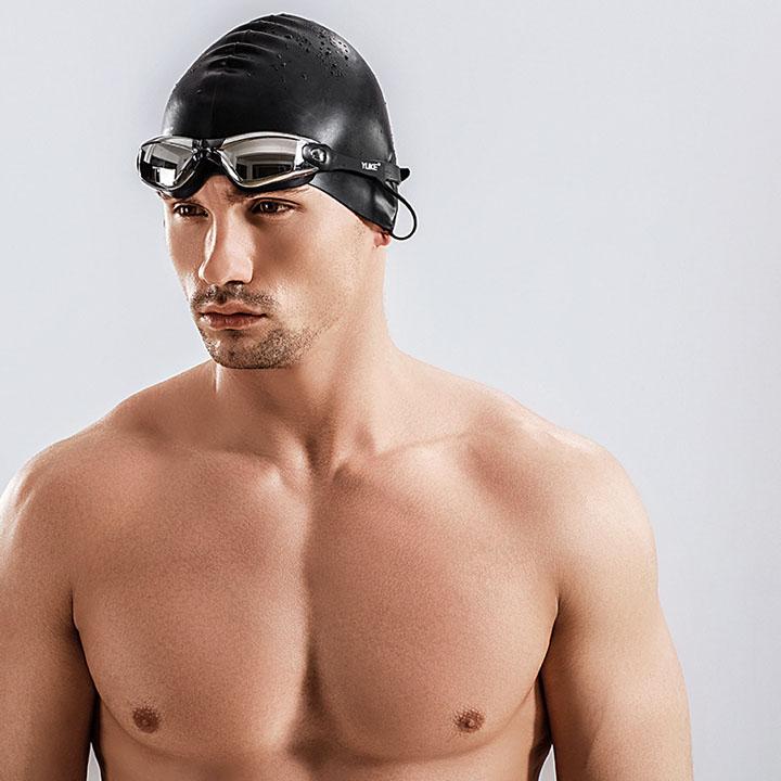 Kính bơi kèm nút bịt tai 12