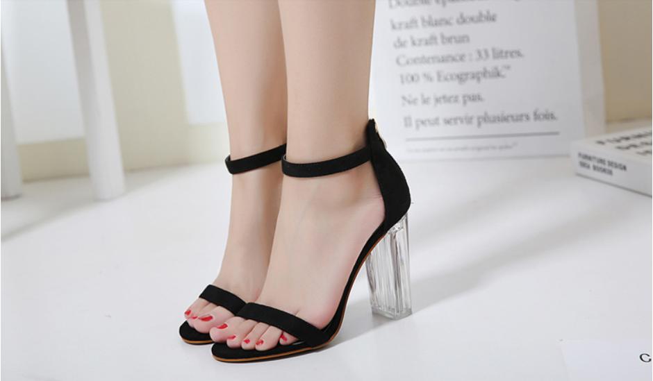 Giày Cao Gót Nữ Màu Đen Da Nhung Mịn Cao Cấp Gót Trong Suốt Tôn Dáng Đẹp CTCGQ8010 3