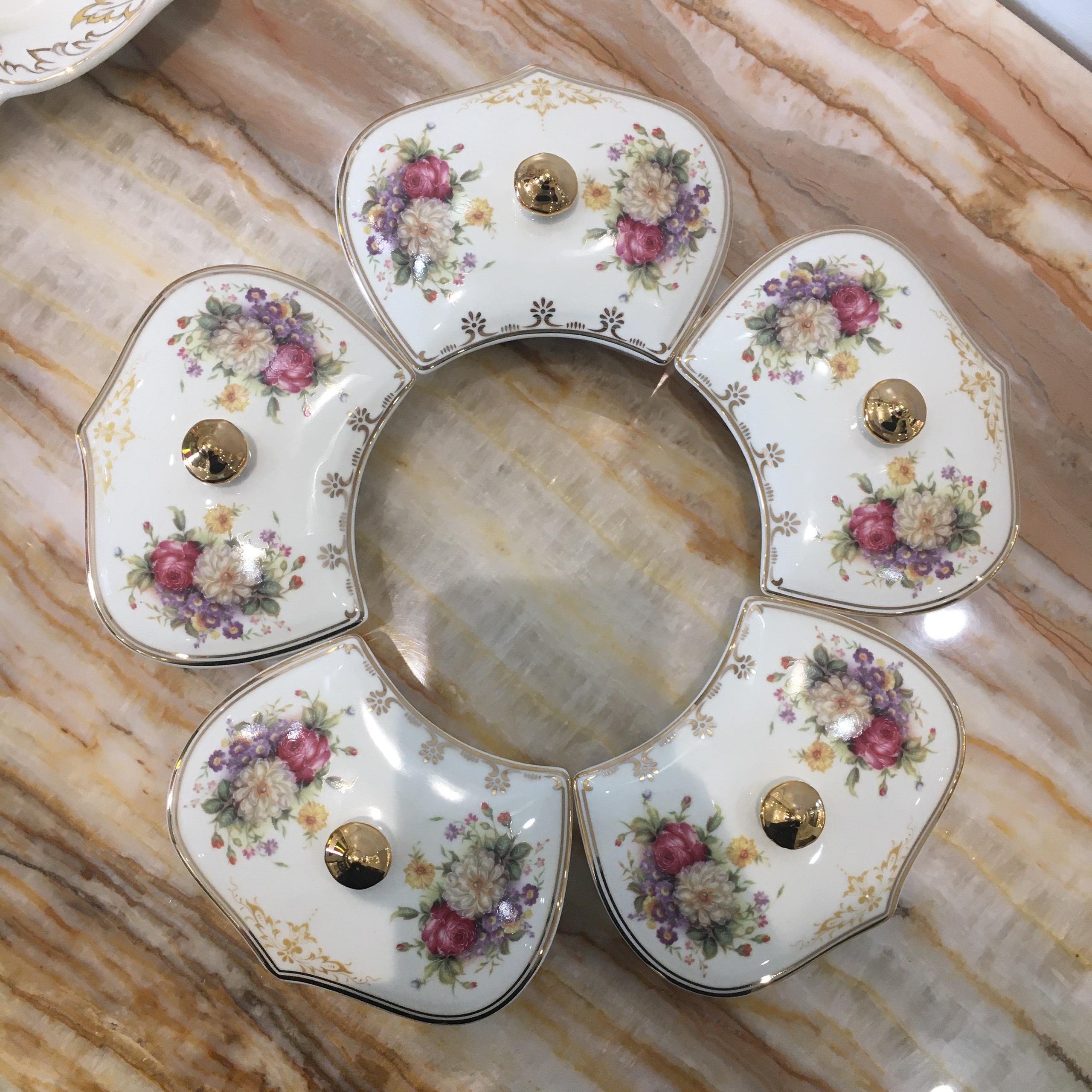 Khay đựng mứt, bánh kẹo ngày Tết họa tiết hoa mẫu đơn làm từ sứ cao cấp  phong cách tân cổ điển Châu Âu