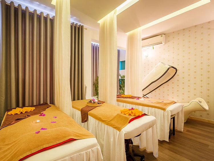 Massage Tinh Dầu Kết Hợp Đá Nóng Thư Giãn Toàn Thân - Hồng Gấm Spa