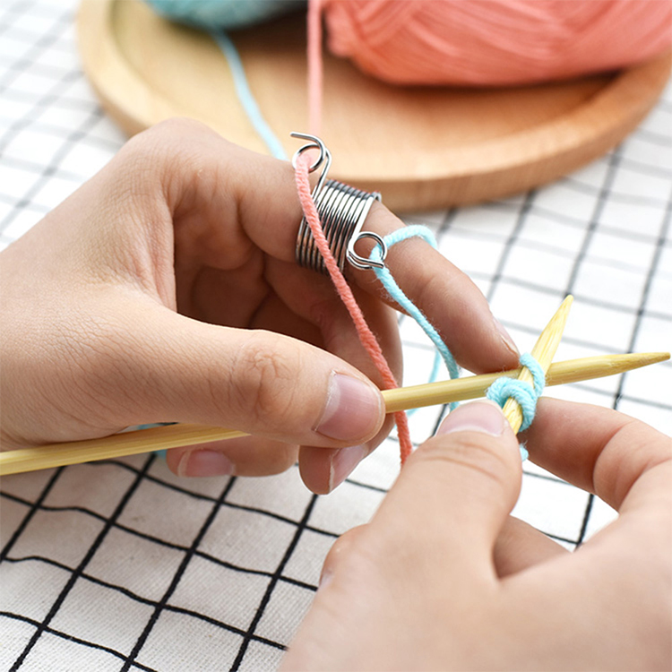 Stainless Steel Knitting Thimble Yarn Spring Guides Stick Fingerhut 2 Size Diameter Braided Needle Sewing Accessories