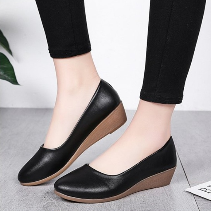 Giày nữ bít mũi đế xuồng cao 3cm kiểu trơn da lì siêu nhẹ siêu mềm C26n có ảnh thật 6