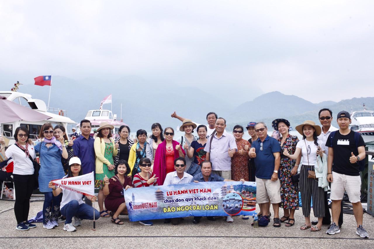 Đoàn khách du lịch Đài Loan