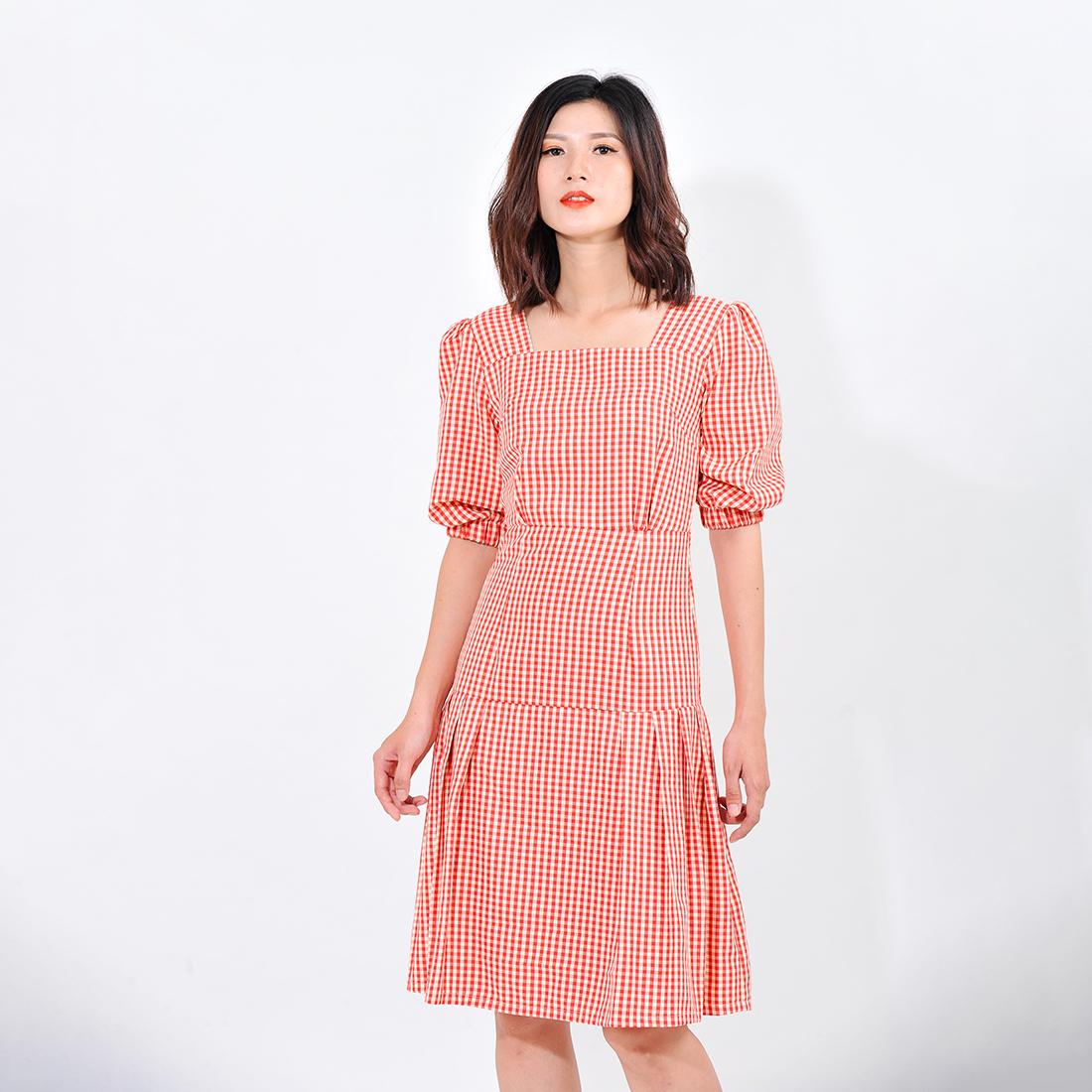 Váy đầm công sở nữ thời trang Eden kẻ caro cổ vuông tay lỡ. Kiểu dáng nữ tính. Màu sắc trẻ trung - D410 1