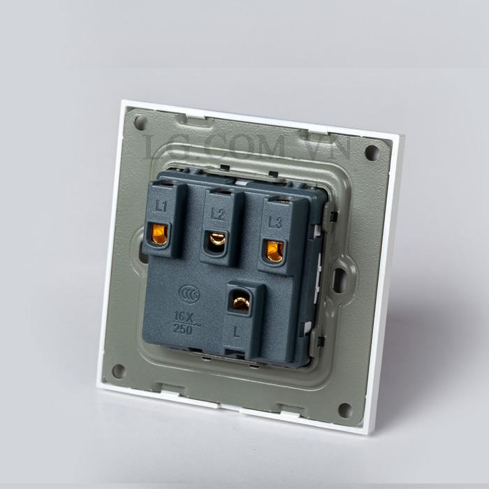 Công tắc điện 1 nút mặt vuông nhựa trắng kèm đê âm đơn LG-F21-001 - Hàng Chính Hãng Công tắc điện 1 nút mặt vuông nhựa trắng kèm đê âm đơn LG-F21-001 - Hàng Chính Hãng