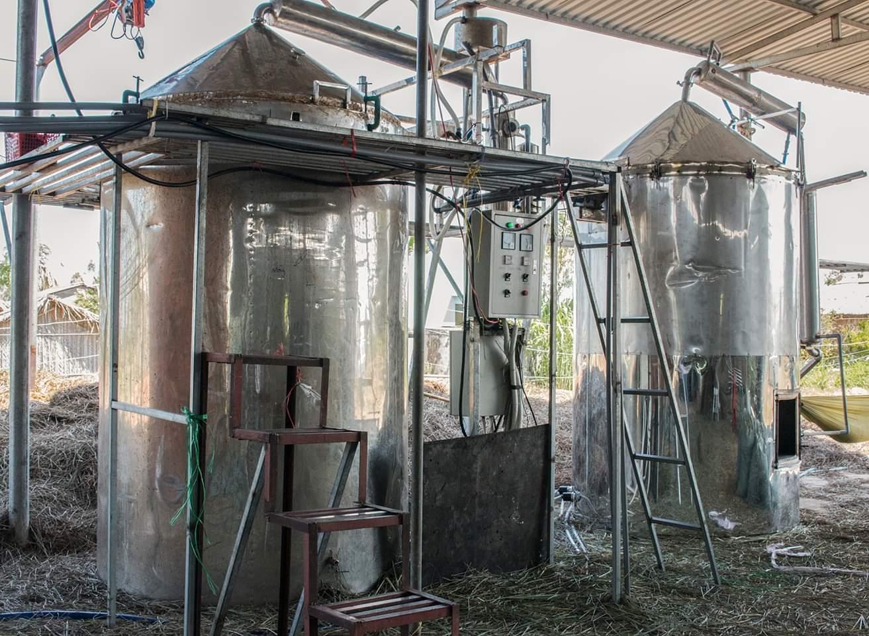 Tinh dầu Gỗ Tuyết Tùng (Hoàng Đàn) 100ml Mộc Mây - tinh dầu thiên nhiên nguyên chất 100% - chất lượng và mùi hương vượt trội, mạnh mẽ nồng nàn, nhưng êm dịu sẽ giúp cho bạn có những giây phút không thể tuyệt vời hơn - Có kiểm định 17