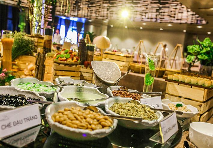 """Buffet Chay """"Ngộ"""" 75 Món Á - Âu - Việt Tại Capella Gallery Hall"""