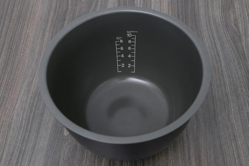Nồi Cơm Điện Tử Toshiba RC-18RH(CG)VN (1.8 lít) - Đồng