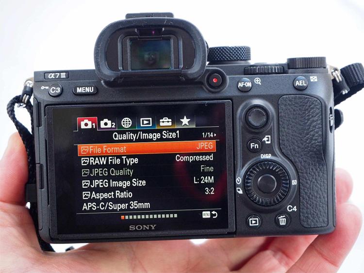 Máy Ảnh Sony Alpha A7 Mark III Body (24.2MP) - Đen - Hàng Chính Hãng
