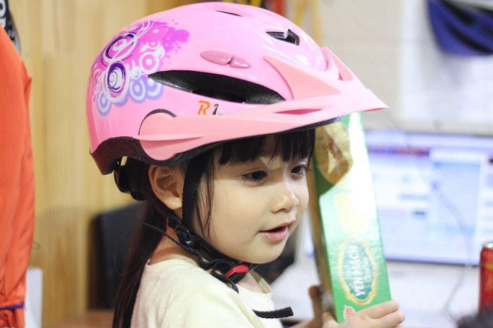 Mũ bảo hiểm trẻ em siêu nhẹ 1