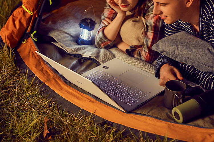 Laptop LG Gram 2020 14Z90N-V.AR52A5 (Core i5-1035G7/ 8GB/ 256GB NVMe/ 14 FHD IPS/ Win10 Home Standard/ Silver) - Hàng Chính Hãng