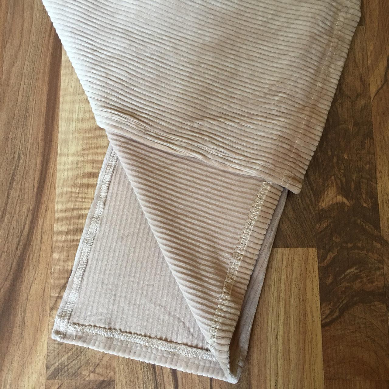 Chân váy bút chì chất gấm nhung tăm mềm mịn cạp lưng thấp co giãn xẻ tà sau 4